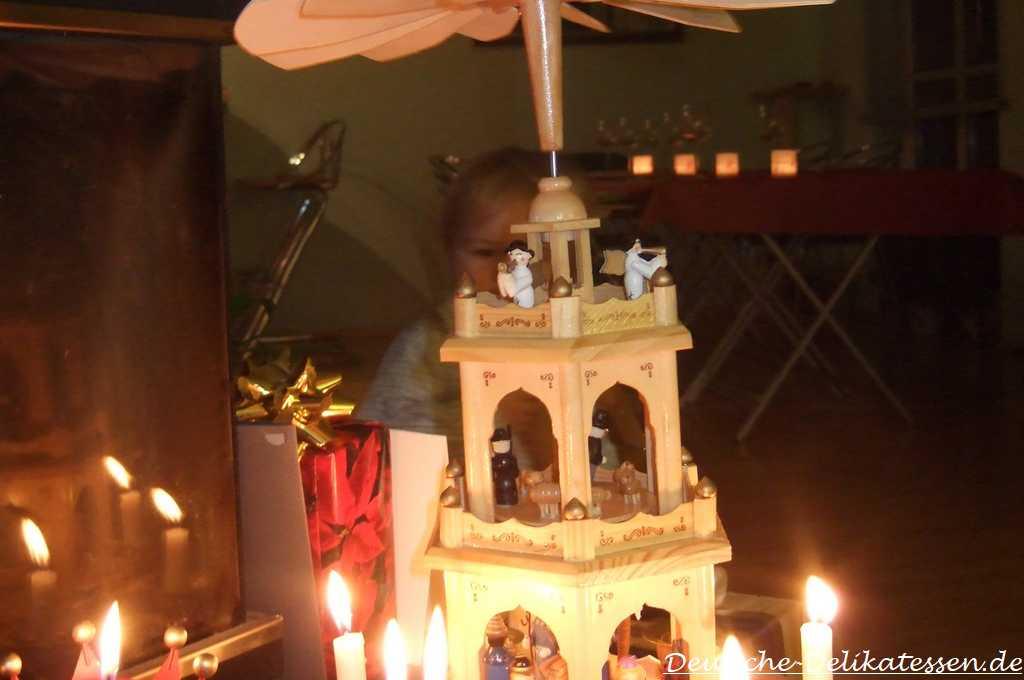 Weihnachtspyramide mit Kerzen
