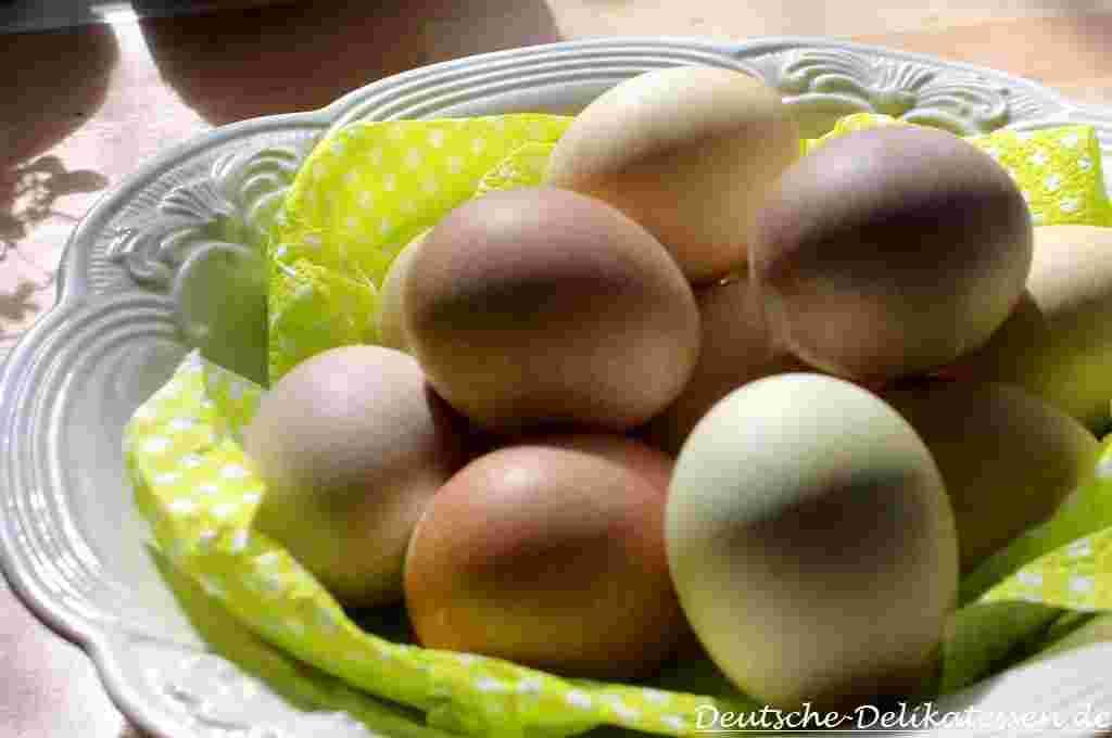 Ostereier selber färben mit natürlichen Farben