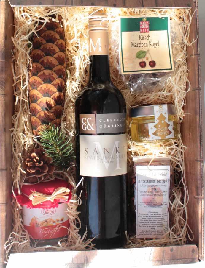Geschenkk Waldweihnacht mit Zapfensalemi und Wein