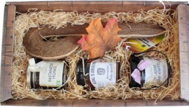 Schlemmen und Wandern Geschenk mit Wurst und Honig