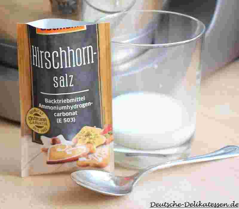 Hirschhornsalz als Backtriebmittel für flaches Gebäck