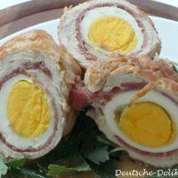 Rouade aus Fleisch und einem gekochten Ei als warmes Hauptgericht.