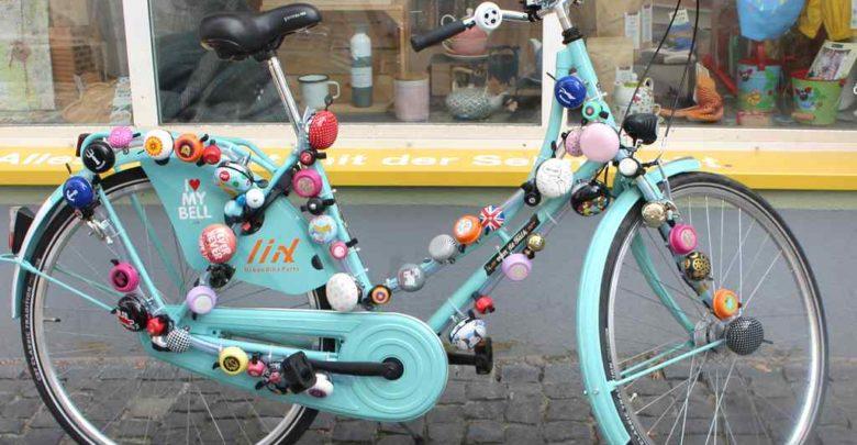 Fahrrad mit vielen Klingeln
