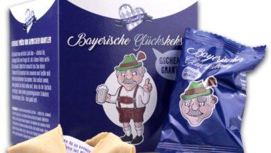 Box mit verpackten Glückskeksen Bayern