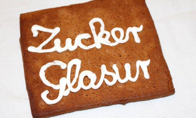 Zuckerglasur Schrift auf einem Lebkuchen