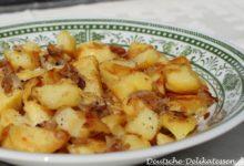 Knusprige Bratkartoffeln auf einem Teller