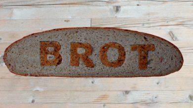 Brat als Wort in einer Brotscheibe