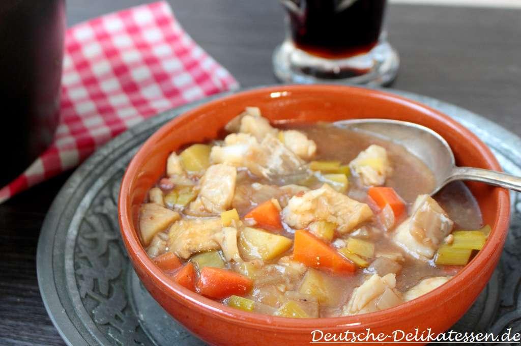 Bier Fisch Suppe in einer Schüssel