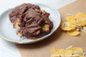 Schokoladencrunchy mit Mandelstiften und Cornflakes