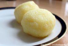 Thüringer Kartoffelkösse auf einem Teller