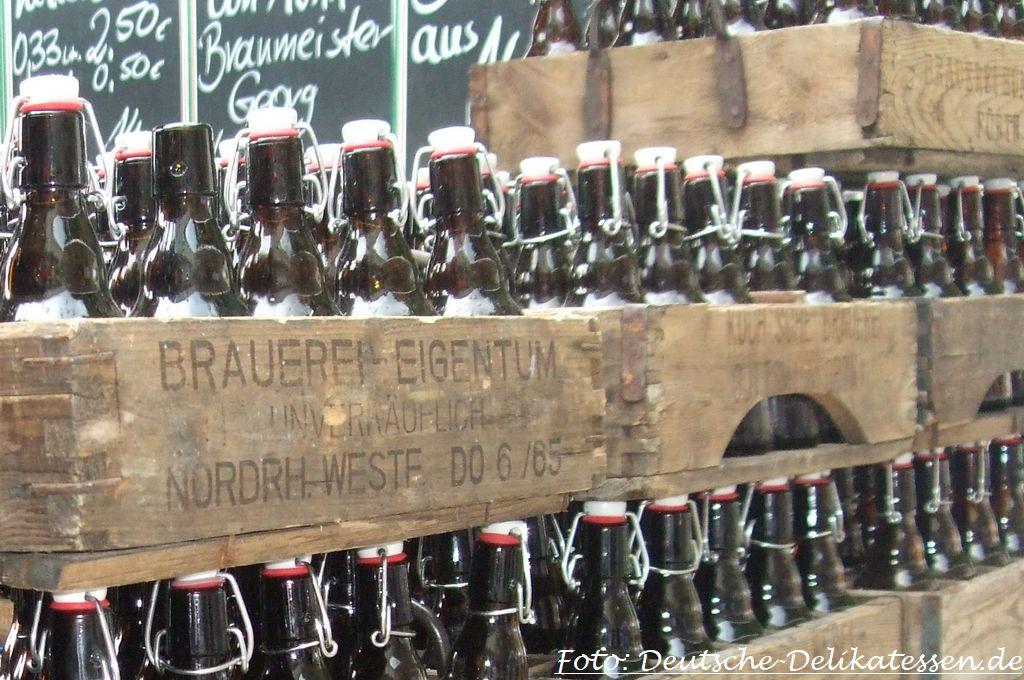 Flaschenbier im Bierkasten